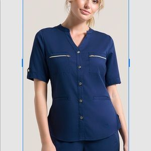 Jaanuu button down scrub top